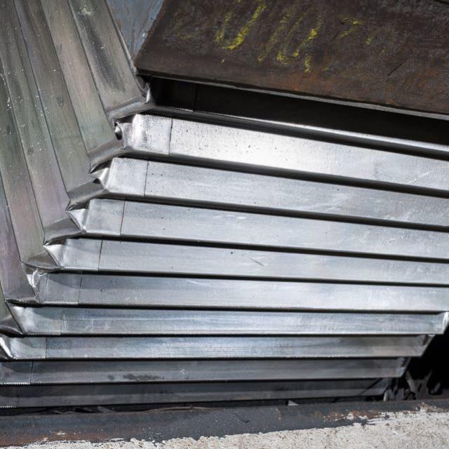 soufflet-aluminisé-protection-tables-élévatrices-industrie